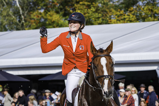 Caroline Gerber auf Tresor de Chignan CH (Photo: Libby Law Photography)